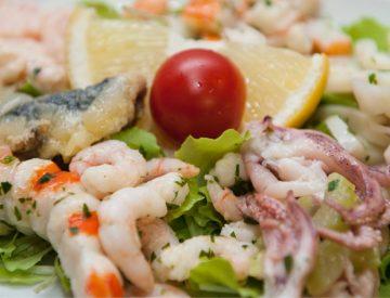 Gli antipasti di pesce fresco
